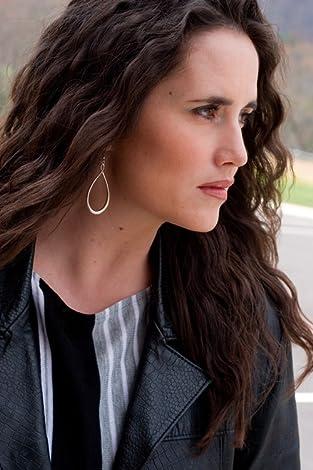 Image of Amy Harmon