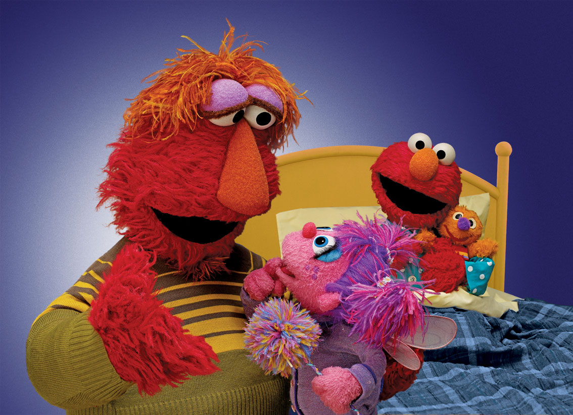extra of andrea bocelli singing time to say goodnight to elmo stills