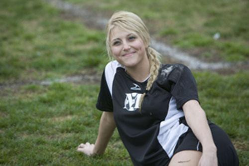 Amazon.com: Soccer Mom: Emily Osment, Kristen Wilson, Dan Cortese