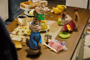 http://g-ecx.images-amazon.com/images/G/01/dvd/fox/alvin/Alvin_2.jpg