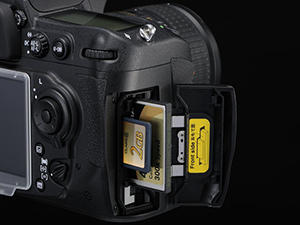 D300S Dual Card Slots