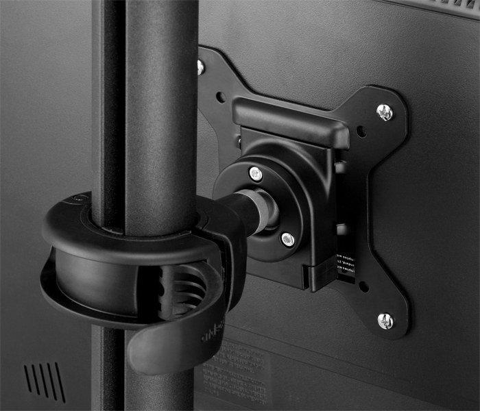 Quick release pole clamp