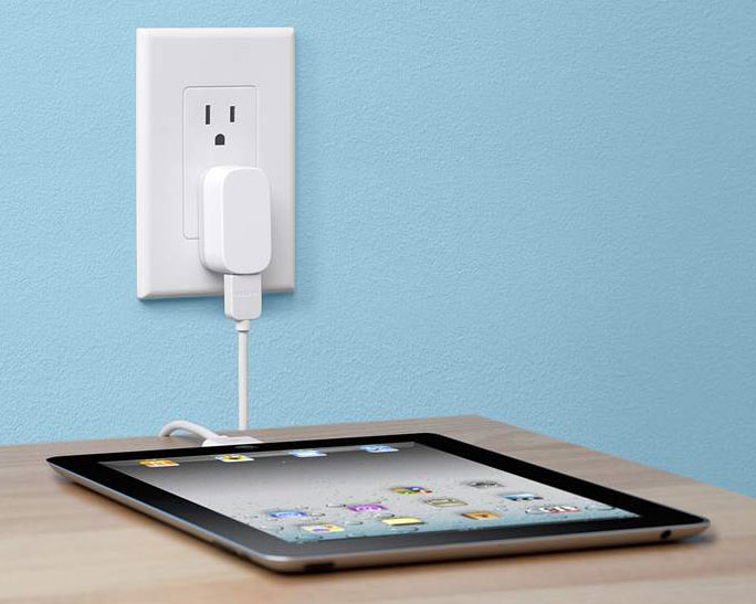 Belkin Micro 2.1 AMP Home Charger for Apple iPhone, iPod and iPad