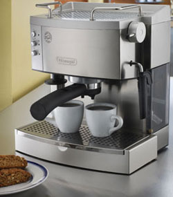 Pump Espresso Maker from DeLonghi