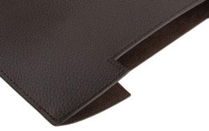 L'étui en cuir AmazonBasics pour iPad