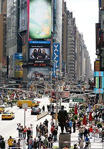 http://g-ecx.images-amazon.com/images/G/01/electronics/lenses/rokinon/85M/85mm_Broadway._.jpg