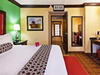 Luxurious Houston Suite Stay with Daily Breakfast and Dinner