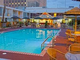 El Tropicano Riverwalk Hotel