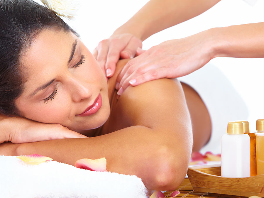Hot-Oil Massage with Aromatherapy
