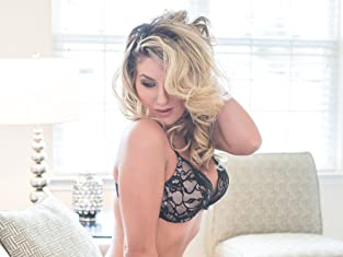 One-Hour Glam/Boudoir Photo Shoot