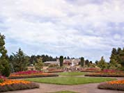 Relaxing Oregon Stay with Breakfast, $20 Dining Credit, and Garden Admission