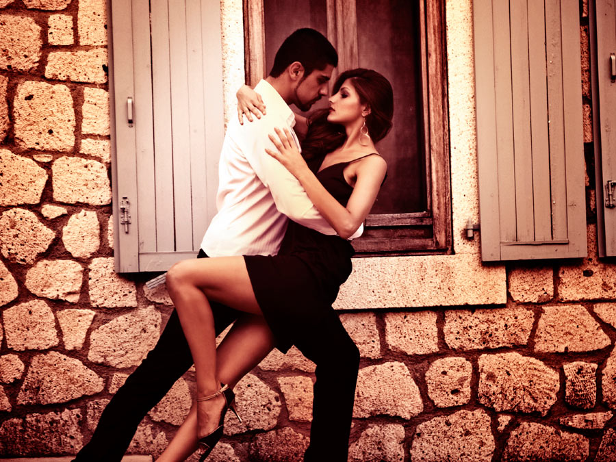 Five 60-Minute Group Salsa Dance Classes