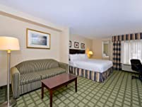Houston Hotel Stay with Breakfast, Parking, and Internet