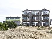 Romantic Beachfront Stay on the Washington Coast
