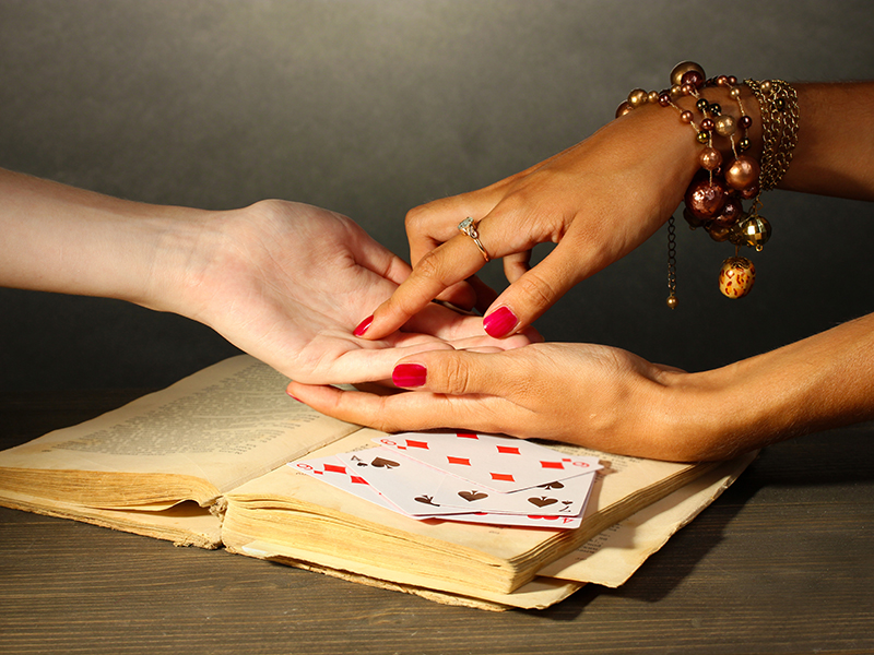 30-Minute Psychic Reading with Relationship Analysis