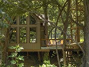 Guadalupe Treehouse Cabin for up to Eight in Hill Country with River Access