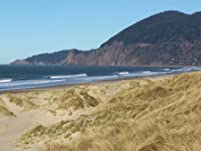 Cozy Oregon Coast Stay with Optional Hot Stone Massage