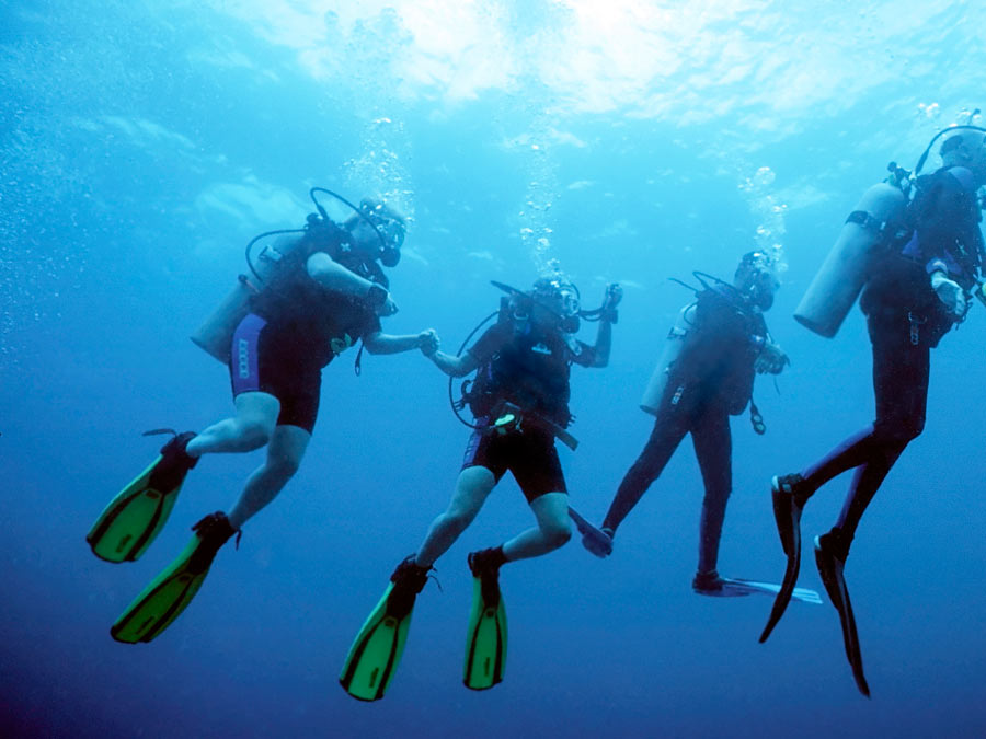 Discover Scuba Class with Equipment
