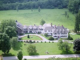 Historic Connecticut Estate Stay for One Night with Breakfast and Parking