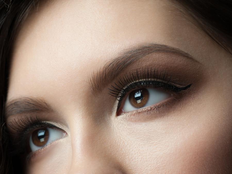 Full Set of Silk Eyelash Extensions