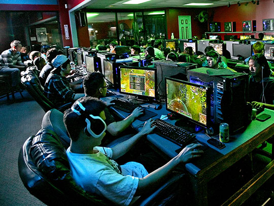 Xbox and PC Gaming Center: Day Pass or Party