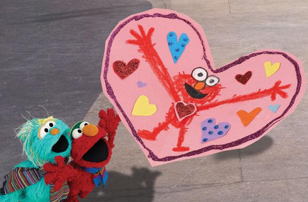 Amazon.com: Sesame Street: Elmo Loves You!: Kevin Clash, Victor Di