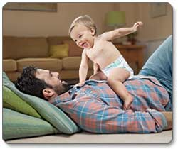 HUGGIES Snug & Dry Diapers Lifestyle Shot