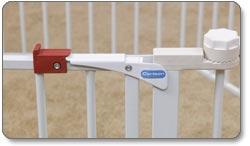 Carlson Convertible Pet Yard Product Shot