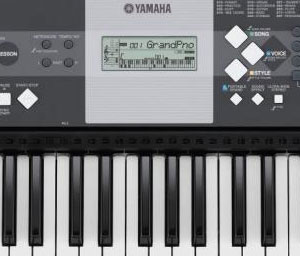 Yamaha YPT-230 61-Key Portable Keyboard