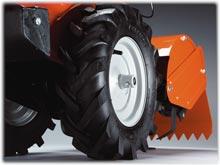 CRT900 tires