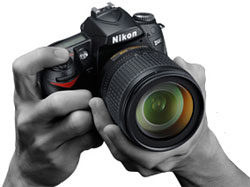 Nikon D90 digital SLR highlights
