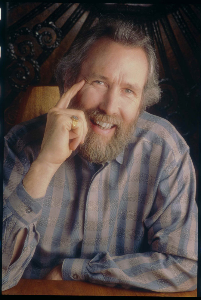 jim henson Jim henson was an american puppeteer, artist, cartoonist, inventor, screenwriter, and filmmaker who achieved international fame as the creator of the muppets.