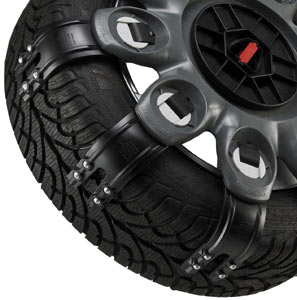 Closeup of the traction arms of the Spikes-Spider Compact Style winter traction element