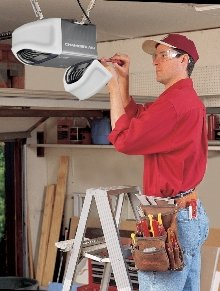 WD962KEV Battery Backup Garage Door Opener