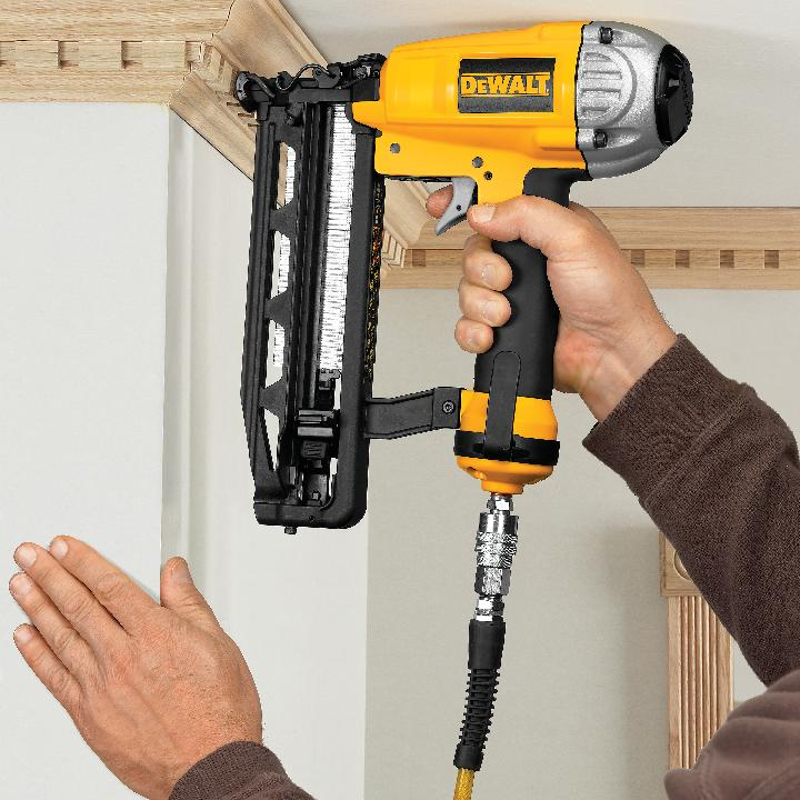 DEWALT D55141FNBN 16-Gauge Finish Nailer/18-Gauge Brad ...