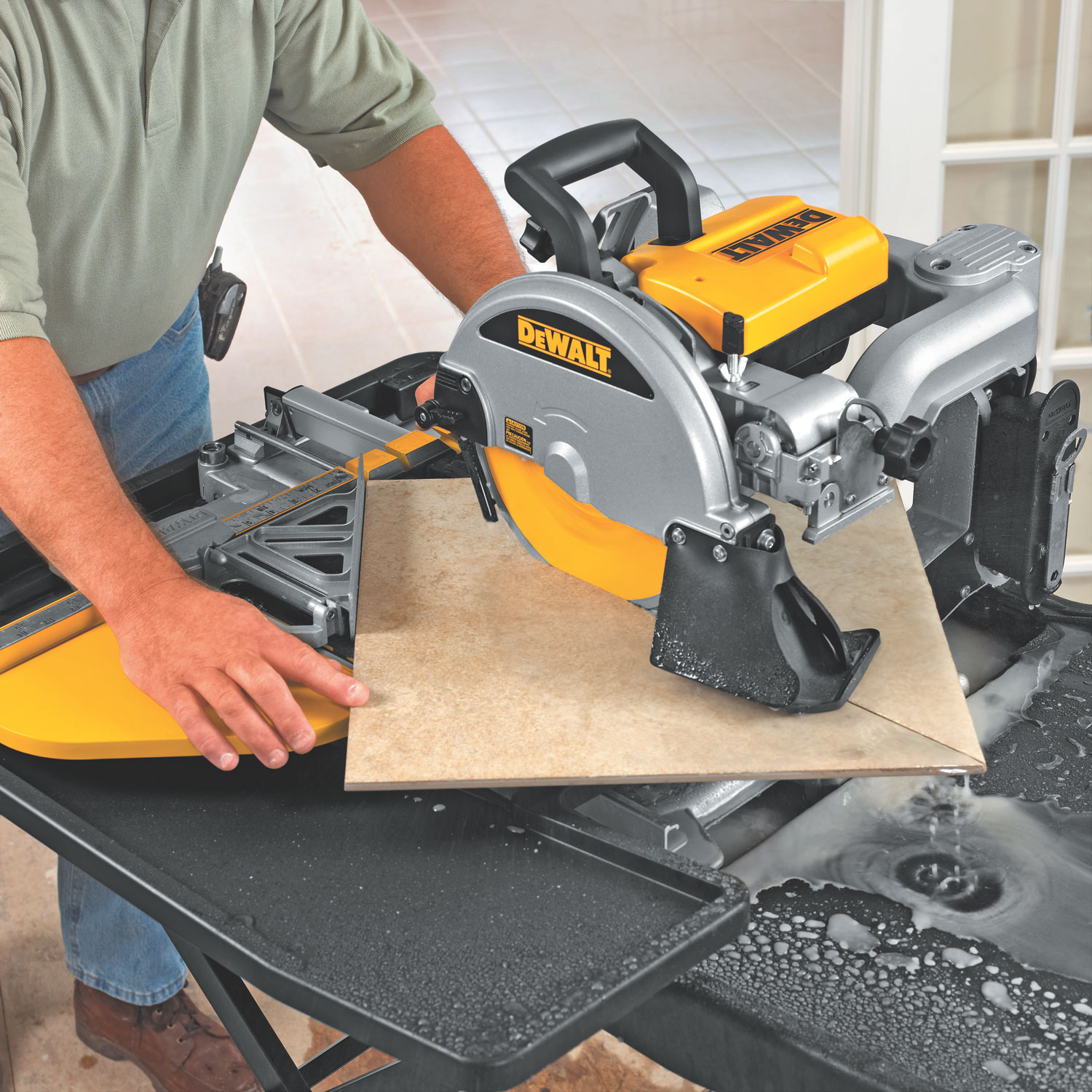 dewalt d24000 1 5 horsepower 10 inch wet tile saw power. Black Bedroom Furniture Sets. Home Design Ideas