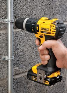 DEWALT DCD785C2 compact hammer drill/driver