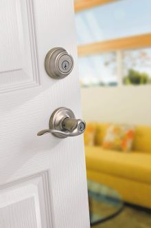 Kwikset single-cylinder deadbolt with SmartKey