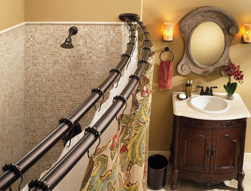 Create a more comfortable experience in the bath (curtains not ...