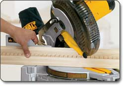 DEWALT 10-Inch Single-Bevel Compound Miter Saw