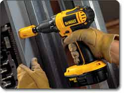 DEWALT (DC720KA) 18-Volt 1/2-Inch Cordless Compact Drill/Driver Kit