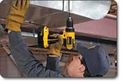 DEWALT (DC720KA) 18-Volt 1/2-Inch Cordless Compact Drill/Driver Kit