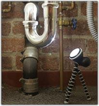 joby-gorillatorch-use-plumbing-sm.jpg