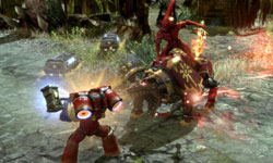 Space Marine in one-on-one fight in Warhammer 40,000: Dawn of War II: Chaos Rising