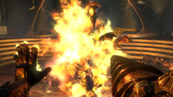 Duel wielding plasmid and weapon in 'BioShock 2'