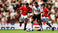 Dribbling the ball in traffic in FIFA Soccer 11