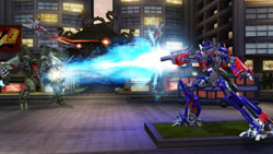 Optimus using a weapon in 'Transformers: Revenge of the Fallen'