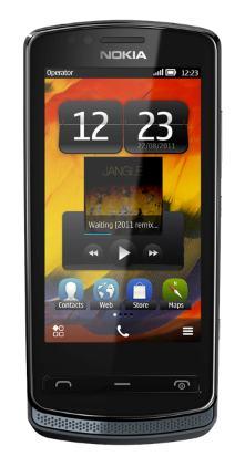 Nokia 700 in gray/black