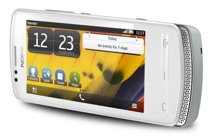 Nokia 700 in silver/white
