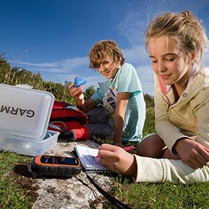 geo;cache;geocaching;handheld;GPS;treasure;hunt;outdoor;recreation